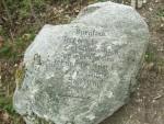 Stein mit Inschrift auf die rätische Siedlung in Burgstall im Passeiertal