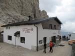 Toni-Demetz-Hütte in der Sella-Gruppe-Dolomiten