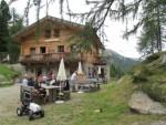 Kuppelwieser-Alm-Hütte im Ultental